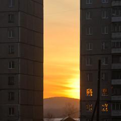Продолжаем закатную тему. Отражение в окнах - это что-то. © Александр Скрябин