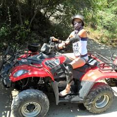 Лето - это самое лучшее время года! Лето - это время незабываемых приключений. Это экскурсия в горы на квадрациклах, после нее я поняла что я не экстримал!!!))) © Alia