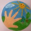 Эмблема о мире детства должна символизировать собой чистоту мира т.е. чистое небо, свежий воздух и конечно же красивую природу которая это всё обеспечивает. Ладошка на эмблеме симвализирует что всё что изображено необходимо детям. © Шахманаева Настя с мамой  МКДОУ №62