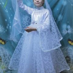 На портрете чудо-лебедь, это чудо из чудес. Полюбуйтесь все на свете на красавицу принцессу.  На фото Екатерина Куракина, 7 лет. © Куракина Кристина Андреевна