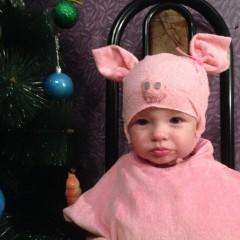 Ванечка Токарев 1 годик  Поросёночек , который не любит фотографироваться 🤗 © Наталья