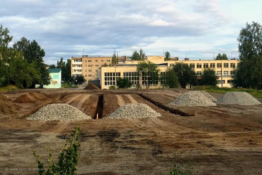 Скоро в городе появится еще один стадион с искусственным покрытием. © Алексей Лукин