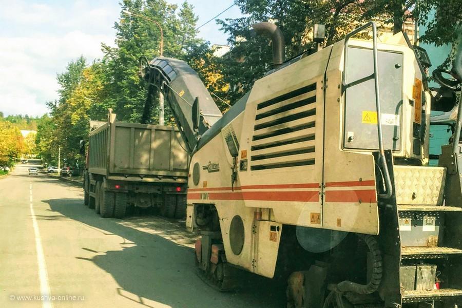По улице Строителей начался ремонт дороги.  Будьте внимательны! © Алексей Лукин