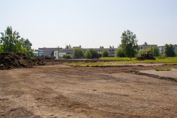 d0930afa22410 В июле начались работы по обновлению спортивного стадиона школы №1. Полный  текст